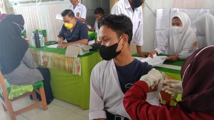 Vaksinasi Covid-19 di SMKN 10 Jeneponto, Masih Banyak Orangtua Tak Izinkan Anaknya Vaksin