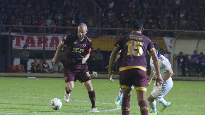 Cetak 2 Gol ke Gawang Persib, Kapten PSM Wiljan Pluim Disebut Tampil Eksplosif