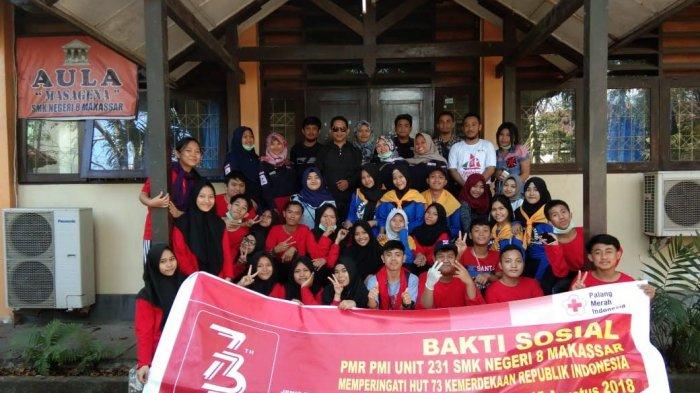 PMR Unit 231 SMKN 8 Makassar Peringati HUT ke-73 RI dengan Bakti Sosial