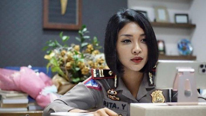 Masih Ingat Polwan Cantik Ipda Rita Yuliana? Kini Viral Lagi Karena 'Tilang' Artis Sultan Djorghi