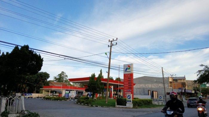 Premium Langka di Kampung Plt Gubernur Sulsel Sudirman Sulaiman