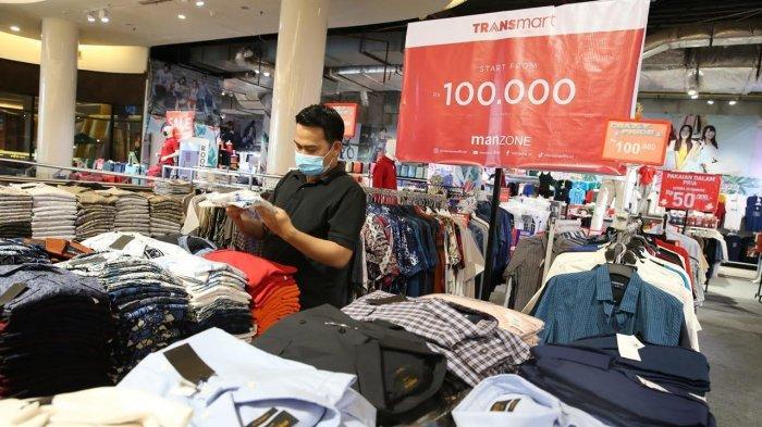 FOTO: Manzone Bazaar di TSM, Batik Pria Hanya 100 Ribu Rupiah