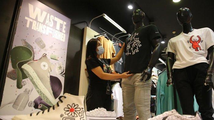FOTO:  Kolaborasi Converse x Keith Haring Hadir di TSM Makassar