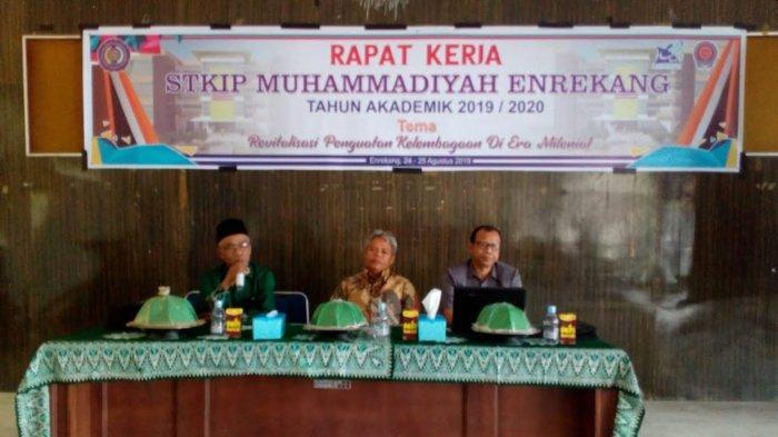 Rancang Proker Strategis, STKIP Muhammadiyah Enrekang Gelar Rapat Kerja