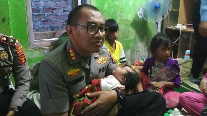 Suami Meninggal Saat Jenazah Istri Dimandikan, Kapolres Nangis Gendong Bayinya yang Berusia 1 Bulan