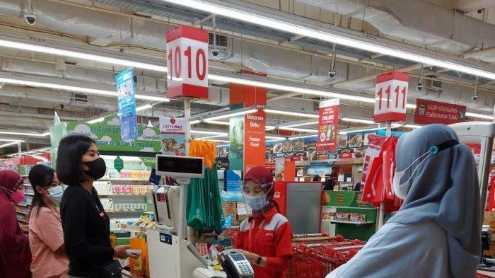 Minyak Goreng 2 Liter Rp26.900di Lotte Mart