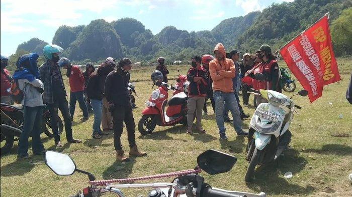 Tolak Penambangan Ilegal, Warga Gelar Aksi Unjuk Rasa di Aliran Sungai Panaikang Maros