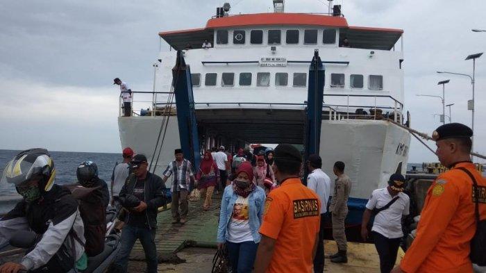 Calon Penumpang Tujuan Selayar di Pelabuhan Bira Bulukumba Wajib Tunjukkan Hasil Rapid Test
