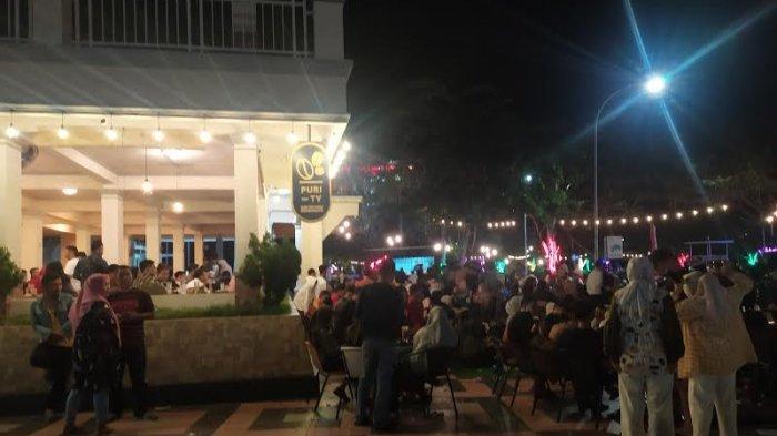 Malam Minggu, Pantai Seruni Bantaeng Dipadati Pengunjung Tak Pakai Masker
