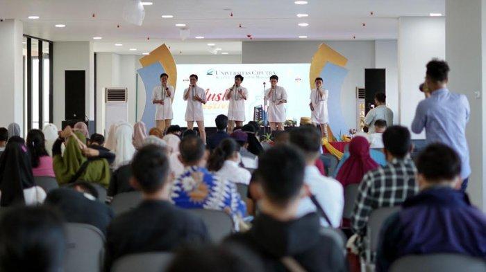 FOTO; Universitas Ciputra School of Business Makassar Gelar Muslim Festival - suasana-event-muslim-festival-saat-memasuki-babak-final-di-universitas-ciputra-school-4.jpg