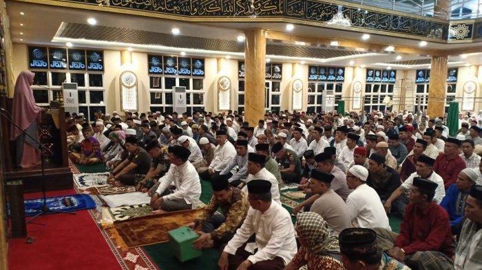 Niat Salat Tarawih dan Witir Berjamaah/Sendiri Lengkap dengan Doa Dalam Bahasa Arab dan Artinya