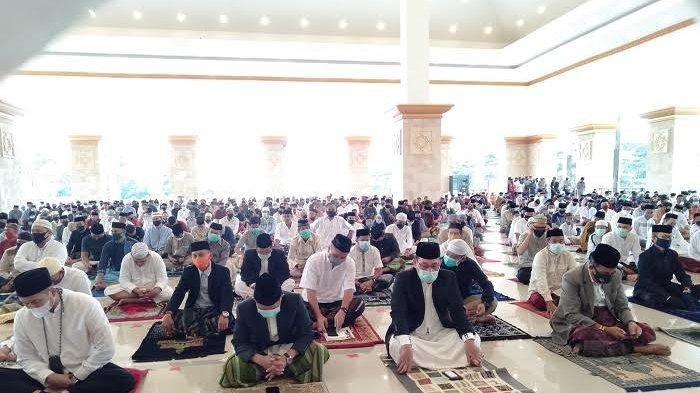 Bupati Sinjai Lebaran Iduladha di Islamic Center, Andi Kartini Ottong?