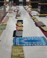 Viral Video Masjid di Sidrap, Bagian Shaf Emak-emak Sudah Dipenuhi Sajadah dari H-2 Lebaran