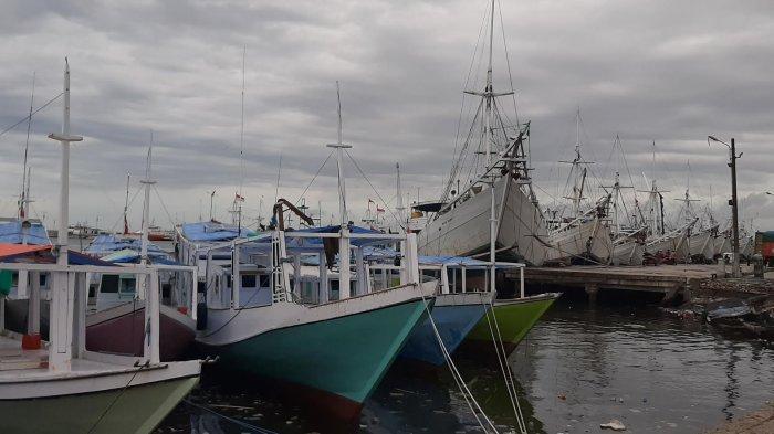 Gelombang Laut Capai 2 Meter, Kapal di Pelabuhan Paotere Dilarang Berlayar
