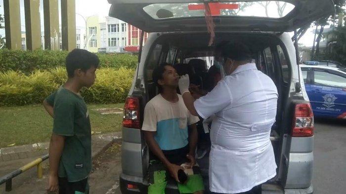 Tidak Pakai Masker, 10 Pengendara di Batas Gowa-Makassar Diswab PCR