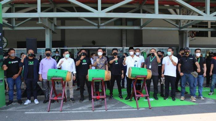 FOTO; GoCar Instan Hadir di Bandara Sultan Hasanuddin - suasana-peluncuran-gocar-instan-yang-berlangsung-di-bandara-internasional-sultan-hasanuddin-1.jpg