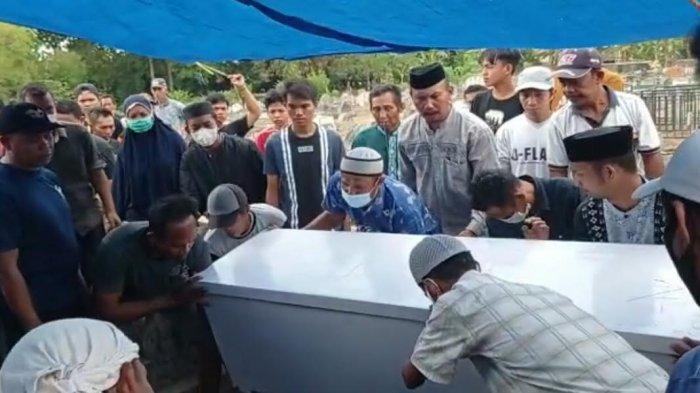 Korban Kecelakaan di Bajeng Pensiunan PNS, Dimakamkan di Romang Rappoa