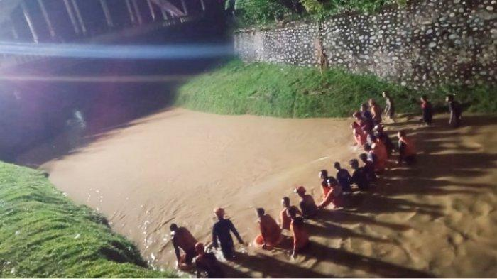 Bocah Hanyut di Sungai Latuppa Palopo Belum Ditemukan, Pencarian Dihentikan