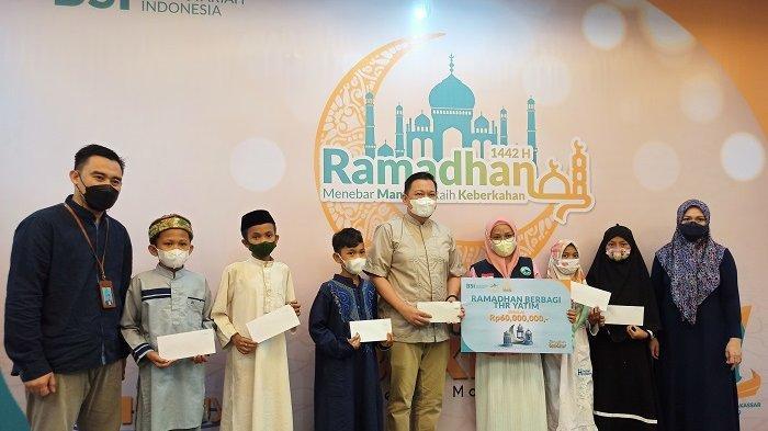 BSI Region XI Makassar Salurkan Rp 60 Juta THR Bagi 230 Anak Yatim dan Hafiz Quran