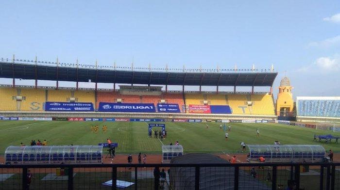 Sepakan Voli Ezechiel Ndouasel Bawa Bhayangkara FC Unggul Sementara Lawan Madura United