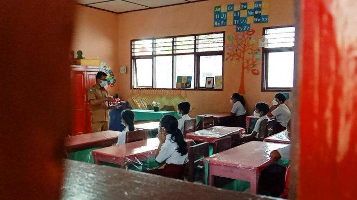 Hari Pertama, Begini Suasana Belajar Tatap Muka di SDN 2 Rantepao Toraja Utara