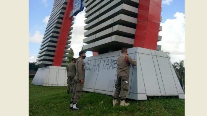 Aksi Vandalisme Tolak Tambang Bontocani Marak di Bone, dari Rumah Bupati Hingga Dinding Stadion