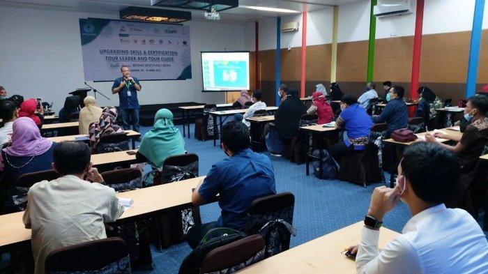 31 Peserta Ikut Upgrading Skill dan Sertifikasi Tour Leader ITMA Sulawesi