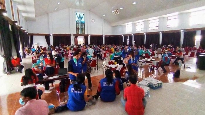 Pelayan Publik di Tana Toraja Jalani Vaksinasi Covid-19
