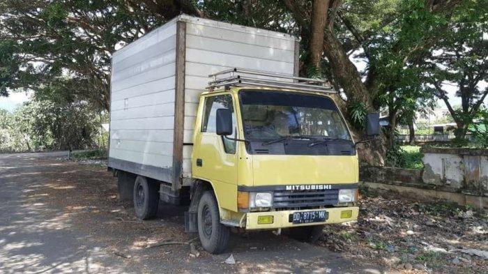 Sudah 3 Bulan Mobil Box Misterius Parkir di Depan KPU Palopo