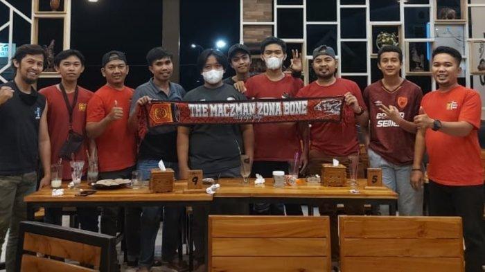 Nobar di Warkop 21, Suporter PSM Makassar di Bone Yakin Juku Eja Taklukkan Persija