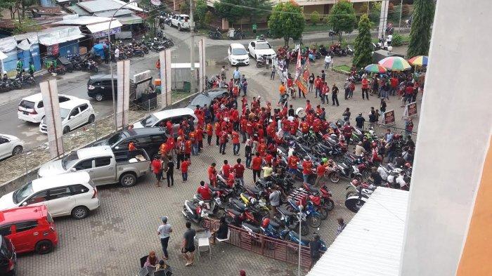 Suporter PSM Mulai Berdatangan ke Stadion Segiri