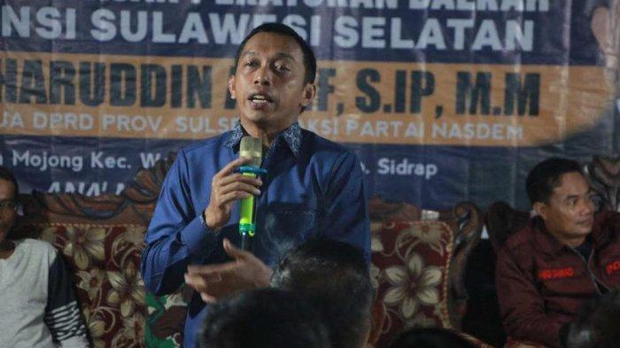 Kunjungi Sidrap, Syaharuddin Alrif Janjikan Hand Sprayer Bagi Kelompok Tani di Desa Mojong