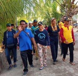 Wakil Bupati Pangkep Jalan Sehat Bareng Warga Desa Tampaang