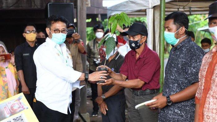 Mentan RI Berkunjung ke Soppeng, Bawa Bantuan Rp 24 M