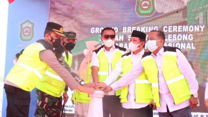 Resmi Dibangun, Syamsari Kitta Letakkan Batu Pertama RS Galesong Bertaraf Internasional