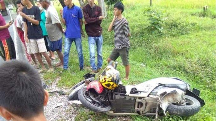 Toyota Rush vs Honda PCX di Tarengge Luwu Timur, Ibu dan Anak Dilarikan ke RSUD I La Galigo Wotu