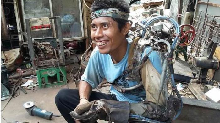 Sarjana Elektro Unhas Pastikan 'Iron Man' Bali Bohong, Ini Penjelasannya