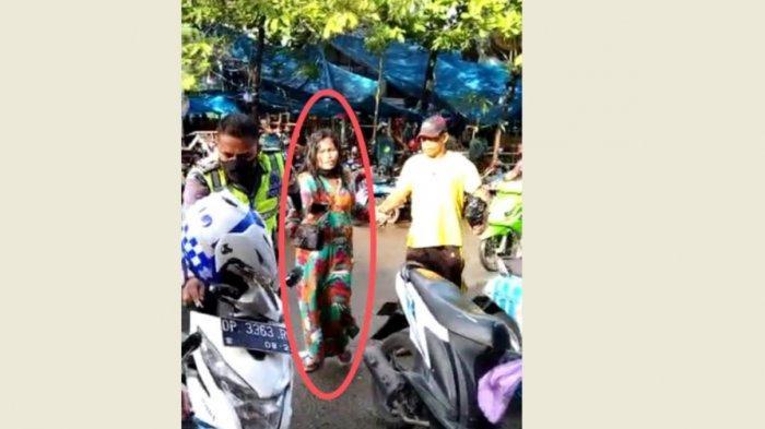 Viral Video Perempuan Paruh Baya Digelandang Polisi Usai Mencuri di Pasar Sentral Pinrang
