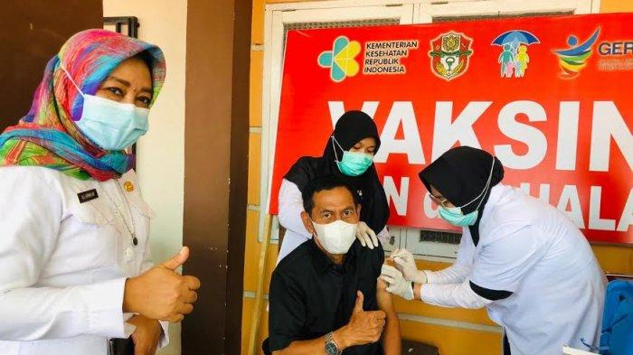 Ketua Komisi III DPRD Wajo Pertama Terima Vaksin Dosis Kedua, Bupati Dijadwalkan Sore