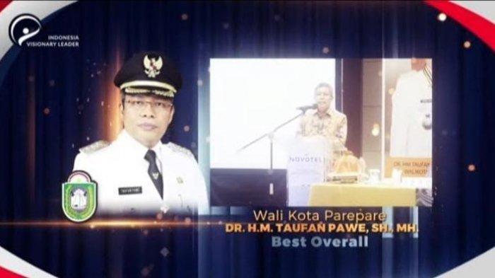 Taufan Pawe Raih Penghargaan Best Overall Indonesia Visionary Leader