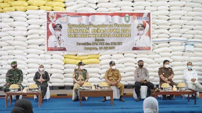 Pemkot Parepare Salurkan 73 Ton Beras kepada Ribuan Warga Terdampak Covid-19