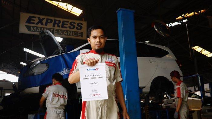 Teknisi Kalla Toyotqa Bersertifikat internasional