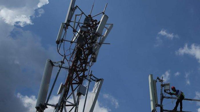 FOTO; Dukung Belajar Online, Telkomsel Pastikan Jaringan Lancar - teknisi-sedang-melakukan-pengecekan-jaringan-disalah-satu-bts-milik-telkomsel-2.jpg