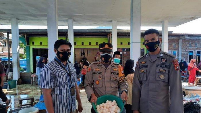 Polisi Sita Puluhan Telur Penyu yang Dijual Bebas di Pasar Majene