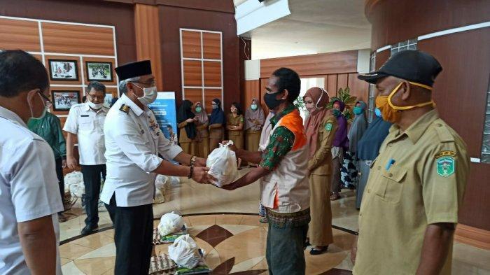 Tenaga Upah Jasa di Sekretariat Daerah Luwu Timur Dapat Bantuan Sembako