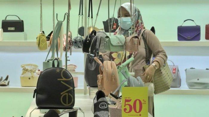 Beli Sepatu dan Tas di EVB Mall Ratu Indah Diskon 50%