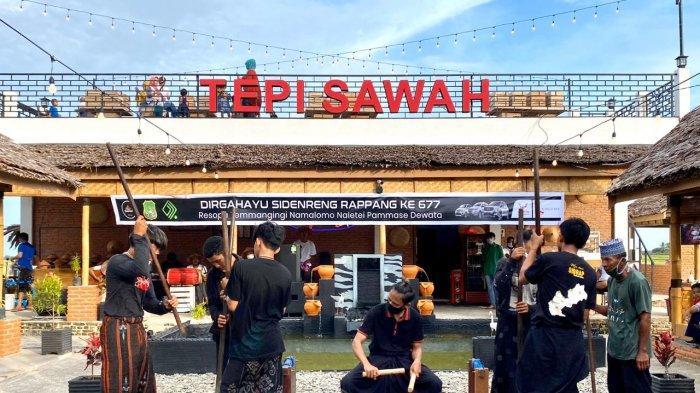 Banyak Penasaran Kuliner Bebek/Itik Tepi Sawah Sidrap, Sekelas Menteri Pun Tak Tahan Segera Icip