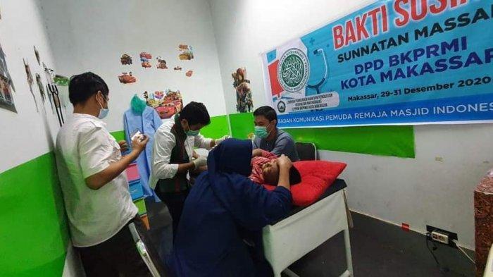 100 Anak Ikut Sunatan Massal BKPRMI Makassar-Pacica