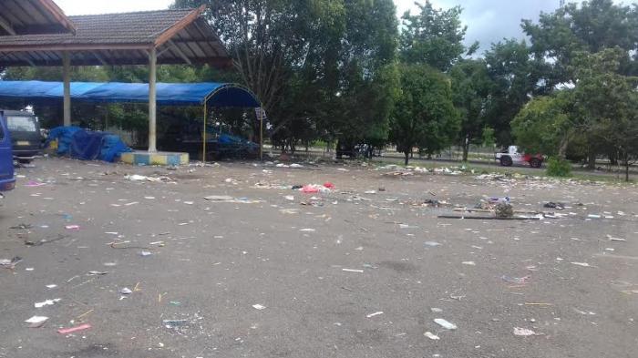 Sampah Berserakan di Terminal Petta Ponggawae Bone - terminal-bone_20160407_184357.jpg