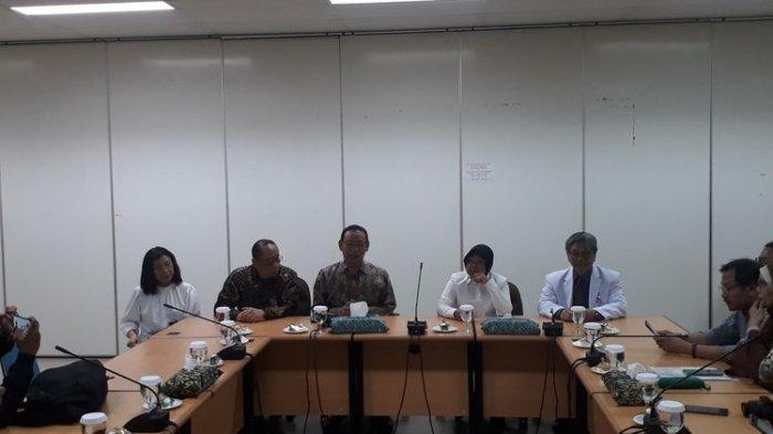 Ternyata Wali Kota Surabaya Risma Timbun Masker, Alasannya? Ini Ancaman Hukuman Didapat Pelaku